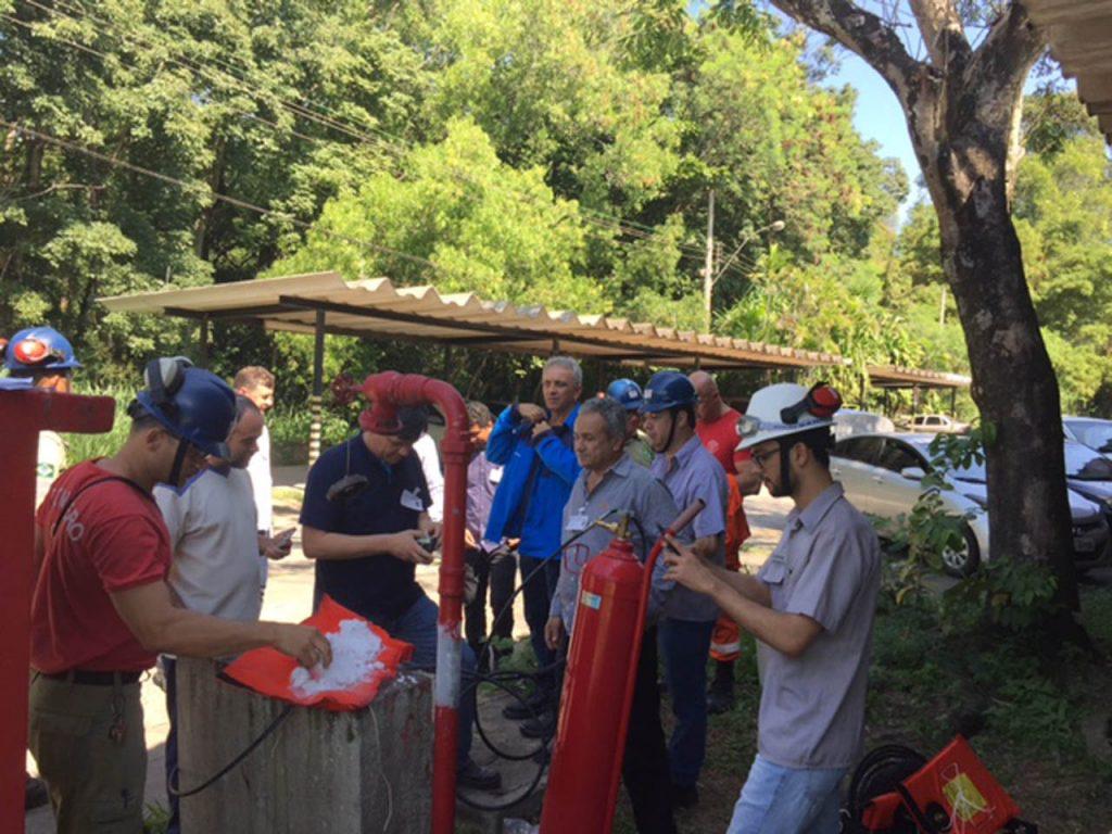 pipe freeze training qwik-freezer-brazil-4